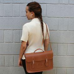 Bolsa Croisfelt Satchel, Carteiro Retrô Vintage Feminina Marrom, 15'' Unissex Sem Gênero, Grande, Pasta Case Notebook #moda #fashion #romantica