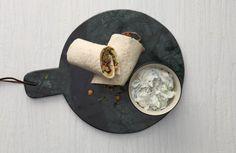 Vegetarische wraps met falafel en gegrilde courgette