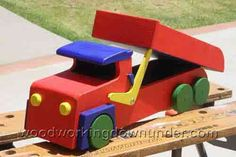 Download free plans for toy dump truck Mk1 which measures almost 18 inches long and a bit more than 6 inches wide. Made from half inch stock, it is light but sturdy. Includes full size patterns and step by step instructions with photos
