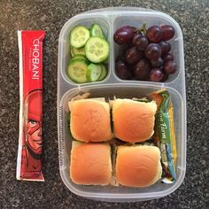 Are your kids heading off to camp, but have no idea what to pack them for lunch? Here are over 30 Summer Camp Lunchbox Ideas your kids will love! kids lunch Over 30 Summer Camp Lunchbox Ideas Health Lunches, Healthy School Lunches, Healthy Snacks, Healthy Recipes, School Snacks, Lunch Snacks, Clean Eating Snacks, Lunch Recipes, Kid Snacks