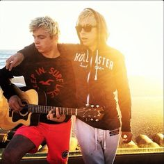 Ross and riker I'm sorry but these two hot dayum