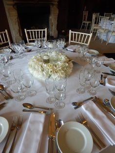 Wedding Table Flowers, Different Styles, Table Settings, Wedding Day, Decor, Pi Day Wedding, Decoration, Marriage Anniversary, Place Settings