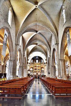 """Interior de la Iglesia Catedral-Basílica Metropolitana de la Asunción de Nuestra Señora de Valencia, llamada popularmente """"Seu"""" en valenciano."""