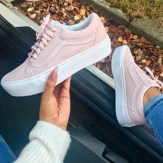 """Vans Old Skool Platform """"Pink"""" – richtig schöner Sommerschuh für Frauen, den man gut zu Jeans oder einem Kleid kombinieren kann. ________ Foto: https://www.instagram.com/sherlinanym/"""