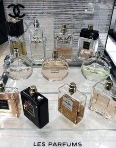 chanel perfumes-- mademoiselle, chance, no Maybe santa will bring me some new perfume? Parfum Yves Rocher, Parfum Chanel, Perfume Dior, Perfume Display, Coco Mademoiselle, Dolce E Gabbana, Perfume Collection, Best Perfume, Body Spray