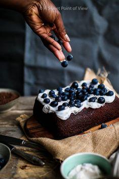Schokoladenblechkuchen mit Heidelbeercreme – A Sweet Point of View