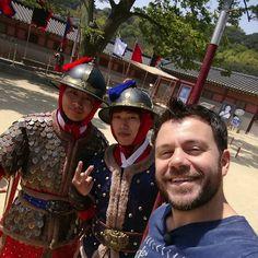 Selfie time! #happytraveller #korea #suwon #visitkorea #travel #asiatravel #traveller #skaitv #bletsas #insta #instatrip #instatravel