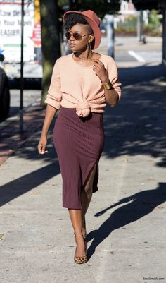 I honestly believe that confidence or simply giving off an air of confidence has the ability to shape the world around you. Autumn Fashion 2018, Over 50 Womens Fashion, Black Women Fashion, Fashion Over 50, Girl Fashion, Fashion Outfits, Workwear Fashion, Black Fashion Bloggers, Fashion Trends
