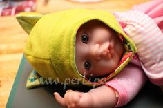 Free Pattern / Patron gratuit – Le bonnet chat / The cat hat (^.^)ノ – Perlipo Baby Hat Patterns, Sewing Patterns Free, Free Pattern, Fleece Hat Pattern, Bonnet Pattern, Sewing Baby Clothes, Baby Sewing, Sew Baby, Sewing For Kids