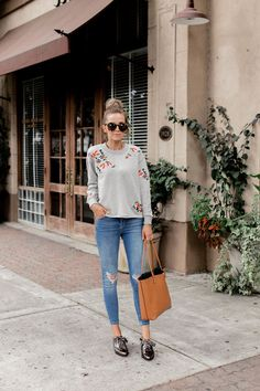 An easy one-and-done outfit Winter Outfits, Casual Outfits, Embroidered Sweatshirts, Sweatshirt Outfit, Boss Lady, Street Style Women, Lounge Wear, Personal Style, Autumn Fashion
