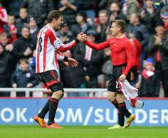 Emanuele Giaccherini celebrates scoring the third Sunderland goal... ニュース写真 487061197