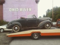 Yeah I post it every so often . I wanna work on this car kinda wanna say get out of here to my A . #pittsburgh #hamb #hopuplive #1937 #desoto by floppgh