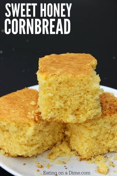 Looking for an easy homemade cornbread recipe? This is the best corn bread recipe where you can make cornbread from scratch easily. Try this buttery cornbread recipe today! Traditional Cornbread Recipe, Buttery Cornbread Recipe, Honey Cornbread, Homemade Cornbread, Cornbread Recipes, Cornbread Recipe Without Baking Powder, Corn Flour Recipes, Homemade Butter, Honey Recipes
