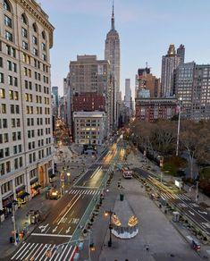 New York Life, Nyc Life, City Aesthetic, Travel Aesthetic, Paris 3, City Vibe, Dream City, Concrete Jungle, City Lights