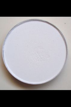 MAC Gesso eyeshadow refill pan - matte white.