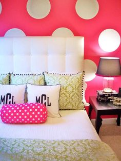 looooove this room for a teenage girl, I've been looking for a color scheme ALOT like this