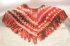 **Modèle unique** Poncho ou Cape en laine au crochet : Pulls, gilets par happyfil