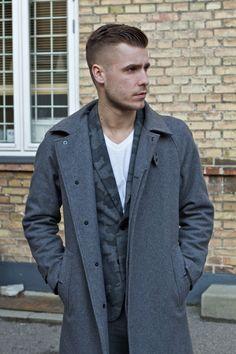 #Copenhagen #Streetstyle #Mensstyle #Menswear #MONOBI Army Clothes, Camo Men, Copenhagen Style, Mens Fashion, Fashion Outfits, Fashion Prints, Autumn Winter Fashion, What To Wear, Cool Outfits