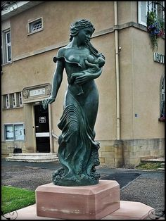 Statue in France, shared by The Progressive Parent. Breastfeeding Photography, Breastfeeding Photos, Statues, Pregnancy Art, Michel, Oeuvre D'art, Les Oeuvres, Sculpture Art, Sculpting