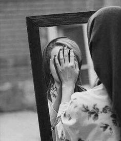 (•‿•)HIBA(•‿•): مالي أرى وجه النهار غريبا  أتراه مثلي قد أضاع حبيبا   فلربما يلقاه قبل غروبه  أما أنا فلقد غربتُ شحوبا..!