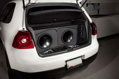 This Volkswagen GTI MKV features a complete Rockford Fosgate system from start to finish.  http://www.rockfordfosgate.com/fanatics/featureDisplay.aspx?featureId=12734