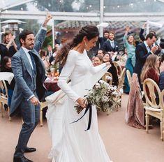 Bridesmaid Dresses, Wedding Dresses, Wedding Photos, Wedding Ideas, Color Blocking, Let It Be, Weddings, Party, Instagram