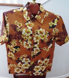 1960s Groovy Polyester Hibiscus Hawaiian Aloha Shirt by Royal Hawaiian Size M  #RoyalHawaiian
