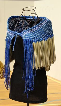 Wearable Highly Commended:  Paake  Chisato Newton Flax Weaving, Weaving Art, Weaving Patterns, Loom Weaving, Hand Weaving, Textile Design, Textile Art, Maori Designs, Maori Art
