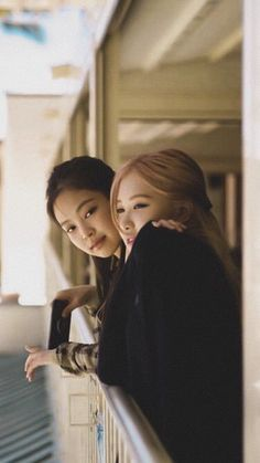 Kpop Girl Groups, Korean Girl Groups, Kpop Girls, Blackpink Photos, Cool Photos, Pictures, Yg Entertainment, K Pop, Blackpink Wallpaper