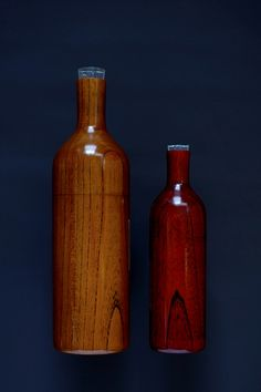 japan bottle: The bottle is made of a tree body by using the highly advanced industrial art of Japan. Arranged on the dining table during your pleasant moment .