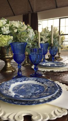 Vintage blue china and blue vintage glassware is a Wow! Dixie Does Vintage in Dallas DFW area rentals Blue Willow China, Blue And White China, Blue China, Blue Table Settings, Beautiful Table Settings, Place Settings, Blue Dishes, White Dishes, French Country Dining Room