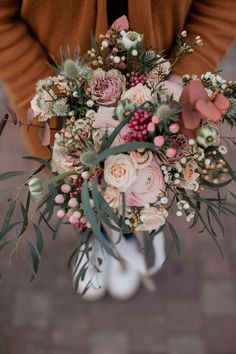 How to make a bouquet of dried flowers? - My General Store tutorial - - Bouquet Bride, Tulip Bouquet, Floral Bouquets, Wedding Bouquets, Rose Bouquet, Bridal Flowers, Beautiful Flowers, Flower Decorations, Wedding Decorations