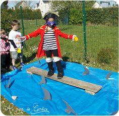 Après avoir vérifié si les enfants étaient de vrais pirates lors de la 1ère partie de la fête pirate (ICI), j'ai poursuivi les jeux sous...