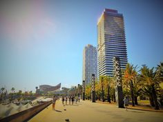 It's time to discover a little bit of the modernt part of Barcelona! Port Olimpic!