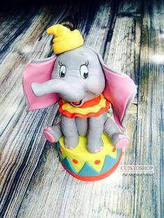 Dumbo Birthday Party, Boys 1st Birthday Cake, Circus Birthday, Elephant Cake Pops, Dumbo Cake, Fathers Day Cupcakes, Fondant People, Fondant Animals, Fondant Cake Toppers