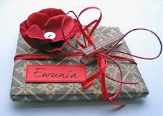 i love to wrap and give ;) by minttint, via Flickr