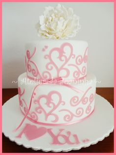 Love this wedding cake! But I would like the hearts to be red,