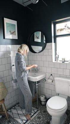 The Frugality House Interiors update: Bathroom. Black and white bathroom inspiration ideas. Monochrome Bathroom, Interior, Bathroom Windows, Shower Room, Bathroom Interior, Small Bathroom, Modern Bathroom, Bathroom Flooring, Black Bathroom