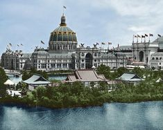1893 World's Fair-Columbian Exposition. A view of the Government building and Lagoon. Classical Architecture, Historical Architecture, Architecture Plan, Ancient Greek City, World's Columbian Exposition, Chicago School, Urban Design Plan, White City, Palace Hotel