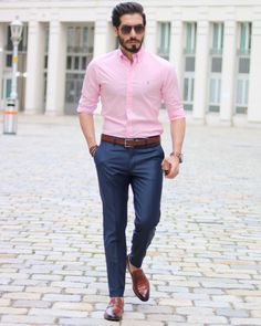 Pink Shirt Outfit Pictures how to wear a hot pink dress shirt with blue dress pants for Pink Shirt Outfit. Here is Pink Shirt Outfit Pictures for you. Pink Shirt Outfit picture of with light pink shirt sandals and crossbody bag.