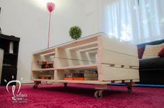 Ratona Engreída Blanca. #Mesa de madera de #pallet reutilizada #elevable para livings y monoambientes.