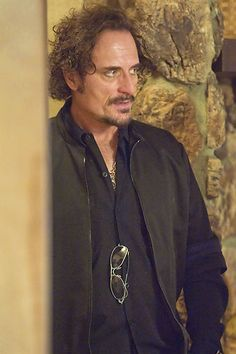 Kim Coates - I can't wait till Sons of Anarchy start up again Kim Coates, Fx Tv Shows, Sons Of Anarchy Motorcycles, Theo Rossi, Star Wars, Jax Teller, Charlie Hunnam, Actor Model, Best Shows Ever