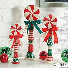Candy Spindles - these have to be easy to make. Wooden candle sticks and wood circles. You could make these for what ever holiday! candy bar w/ different colors Christmas Wood, Christmas Projects, Winter Christmas, All Things Christmas, Christmas Holidays, Christmas Ornaments, Candy Christmas Decorations, Homemade Christmas, Christmas Ideas