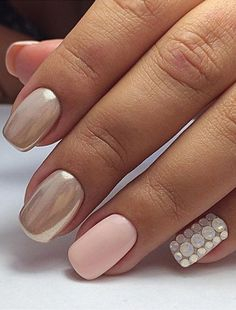 Here Crystals Opal were used. Do you want to bay it? GO >>>> Cute Crystal Opal White Round Flatback Crystal Nail Rhinestone Different Sizes