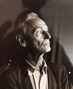 Hesse, Hermann (1877-1962), poète et romancier suisse d'origine et de langue allemande.