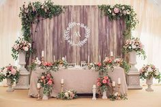 27 Cool Sweetheart Wedding Table Backdrops To Try: Wooden Backdrops Bridal Party Tables, Wedding Table Centerpieces, Wedding Decorations, Decor Wedding, Wedding Stage, Dream Wedding, Trendy Wedding, Rustic Wedding, Wedding Nail