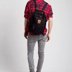 ESGOTADO BOXO PRIMEIRO BLACK Backpacks, Bags, Fashion, Handbags, Moda, Fashion Styles, Backpack, Fashion Illustrations, Backpacker