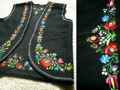 70's Vintage Ethnic Floral Embroidered Vest  Black от Pippiripi, $51.00
