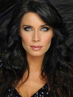 AAAA ¿Quieres ser Maquilladora? Aquí tienes un curso gratuíto http://www.eprobellezamoda.com/curso_a_distancia/form_epro_maquillaje_google_F30.html ;)Maquillaje