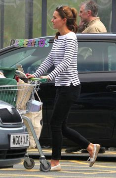 Kate Middleton Spotted Grocery Shopping! Already In Duchess Shape Just 1 Month After Giving Birth! She looked fab in her Ralph Lauren black and white striped boatneck shirt, Paige Denim jeans, and beige suede Sebago moccasins and Givenchy sunglasses